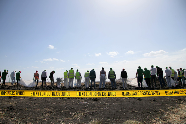 Jemal Countess「Emergency Services Work At The Crash Site Near Bishoftu Of Ethiopian Airlines ET302 To Nairobi」:写真・画像(0)[壁紙.com]