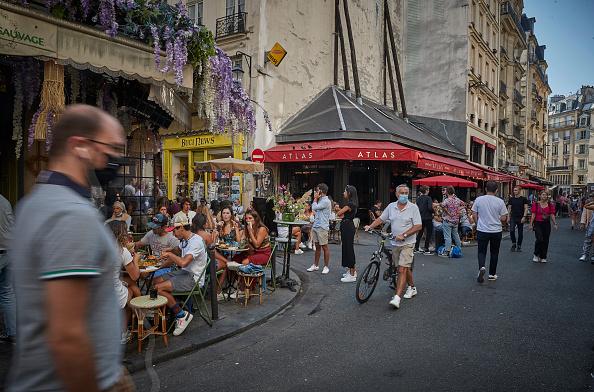 France「France Sees Surge In Coronavirus Cases」:写真・画像(15)[壁紙.com]