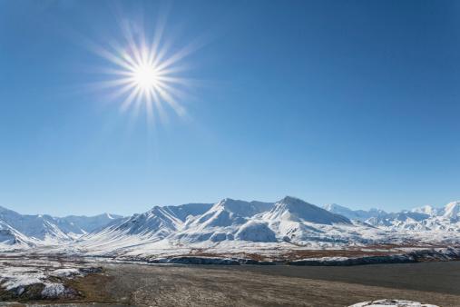 Snow mountain「USA, Alaska, View of Alaska Range at Denali National Park」:スマホ壁紙(12)