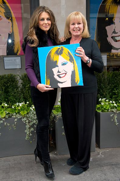 Wristwatch「Elizabeth Hurley Celebrates 20 Years Of Jo Hansford Salon」:写真・画像(15)[壁紙.com]