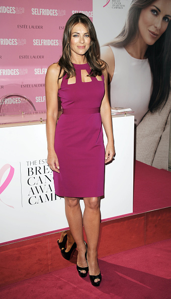 Breast「Elizabeth Hurley Personal Appearance At Selfridges」:写真・画像(17)[壁紙.com]