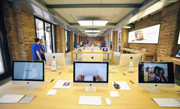 Apple Store「Apple Store Opens In Covent Garden」:写真・画像(10)[壁紙.com]