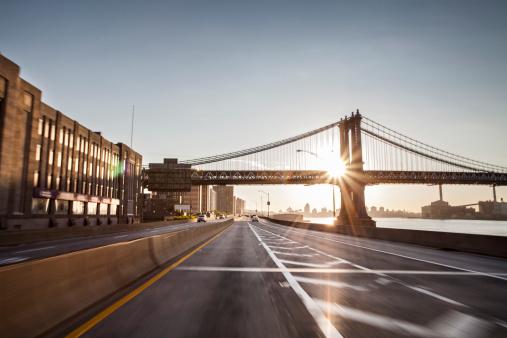City Street「Blured FDR and Manhattan bridge at sunrise」:スマホ壁紙(17)
