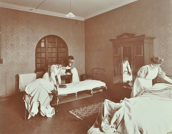 インテリア「Housewifery Students, Battersea Polytechnic, London, 1907. Artist: Unknown.」:写真・画像(11)[壁紙.com]