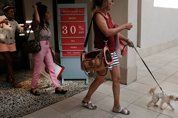 Naples - Florida「Shoppers Look For Deals On Black Friday」:写真・画像(5)[壁紙.com]