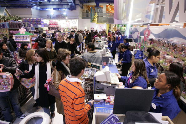 "Crowd「Christmas Shopping Season Gets Underway On ""Black Friday""」:写真・画像(1)[壁紙.com]"
