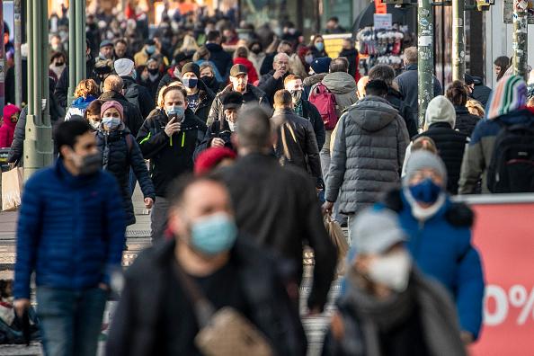 Infectious Disease「First Shopping Sunday Of Christmas Season During The Coronavirus Pandemic」:写真・画像(3)[壁紙.com]