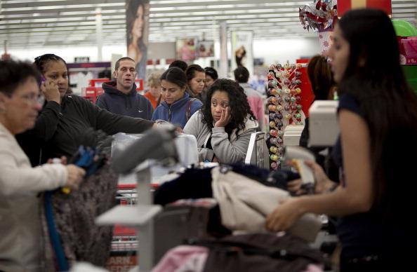 Allison Joyce「Holiday Shoppers Seek Out Deals On Black Friday」:写真・画像(16)[壁紙.com]