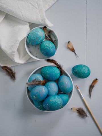 イースター「Modern hand dyed blue easter eggs」:スマホ壁紙(14)