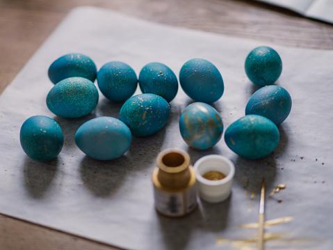 イースター「Modern hand dyed blue easter eggs」:スマホ壁紙(5)