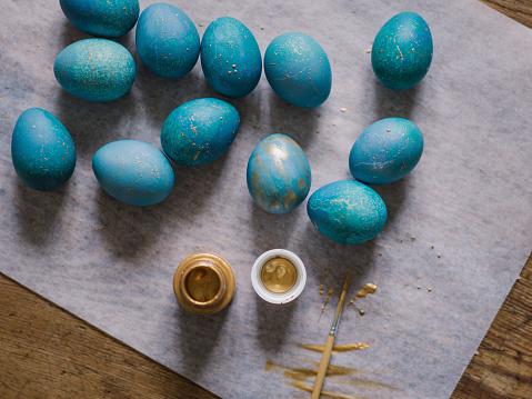 イースター「Modern hand dyed blue easter eggs」:スマホ壁紙(9)