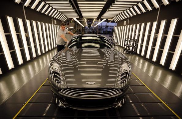 Technician「Aston Martin Celebrates Its 100th Anniversary」:写真・画像(17)[壁紙.com]
