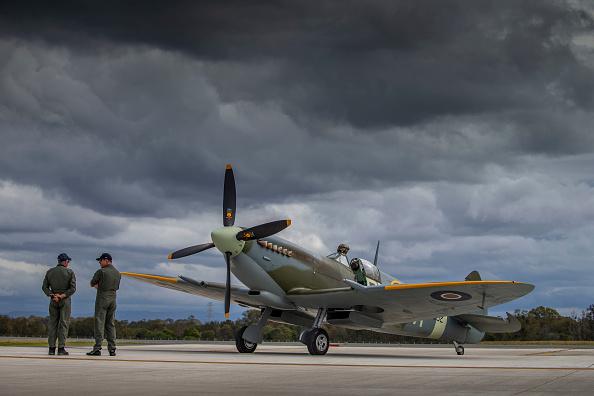 Military Airplane「New Runway Opens At Brisbane Airport」:写真・画像(13)[壁紙.com]