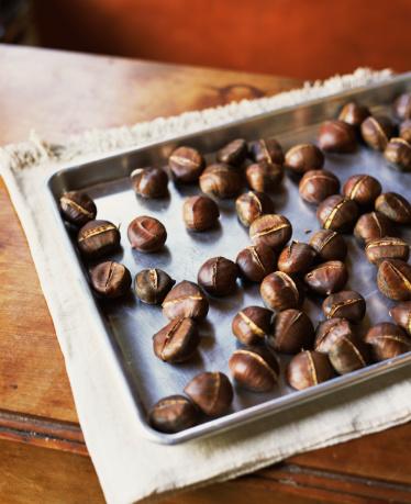栗「Roasted Chestnuts on Baking Sheet」:スマホ壁紙(0)