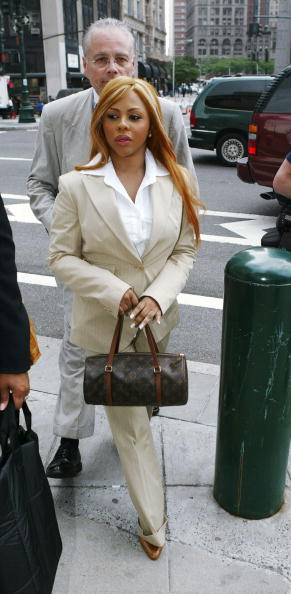 Appearance「Lil' Kim Makes An Appearance In Federal Court」:写真・画像(9)[壁紙.com]