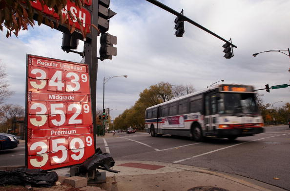 Financial Figures「U.S. Gas Prices Close In On Record High」:写真・画像(13)[壁紙.com]