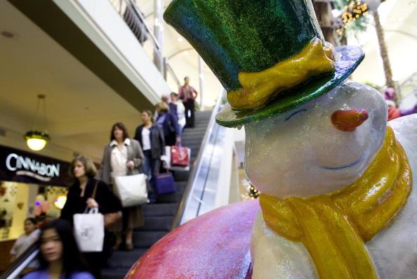 雪だるま「Holiday Spending Forecast To Be Five Percent Higher This Year」:写真・画像(3)[壁紙.com]