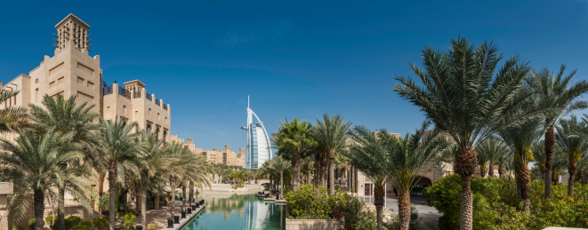 Tradition「Dubai luxury desert resort Burj al Arab panorama UAE」:スマホ壁紙(1)