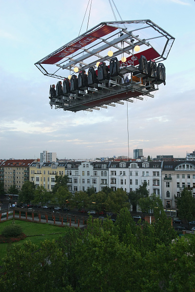 50 Meter「Dinner In The Sky Over Berlin」:写真・画像(6)[壁紙.com]