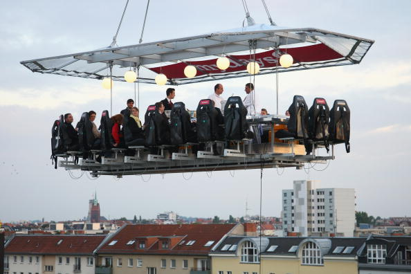 50 Meter「Dinner In The Sky Over Berlin」:写真・画像(0)[壁紙.com]