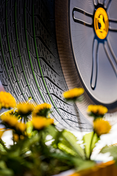 """Social Issues「Continental Presents Sustainable Tire Concept """"Conti GreenConcept"""" At IAA Munich」:写真・画像(3)[壁紙.com]"""