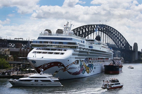 Authority「Cruise Ship In Lockdown At Sydney Harbour Over Coronavirus Fears」:写真・画像(11)[壁紙.com]
