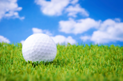 Putting - Golf「Golf ball lying on a green」:スマホ壁紙(3)