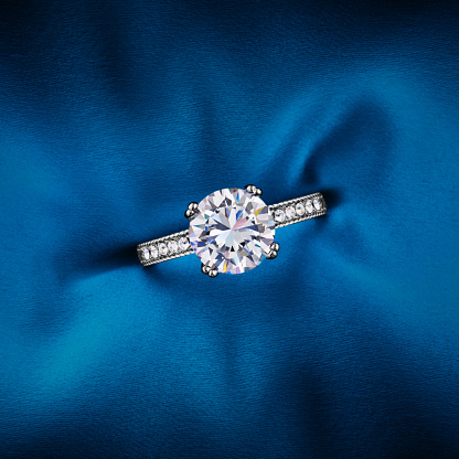 Married「Engagement Ring」:スマホ壁紙(9)