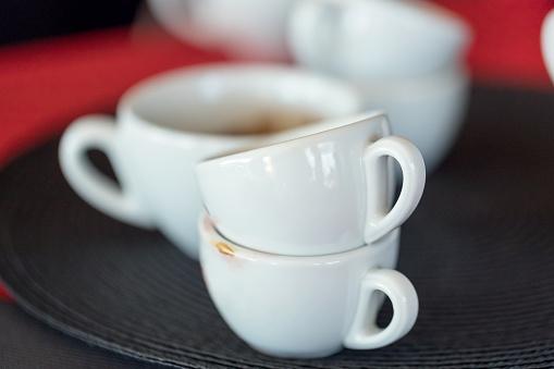 Coffee Break「Dirty cups in a cafe」:スマホ壁紙(19)