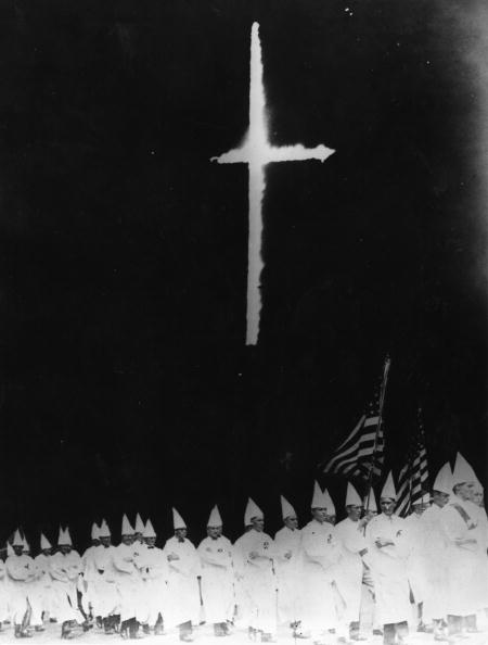 Contrasts「Klansmen Marching」:写真・画像(12)[壁紙.com]