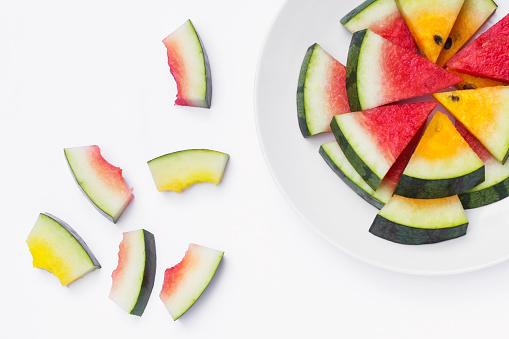 スイカ「Red and yellow watermelon slices」:スマホ壁紙(10)