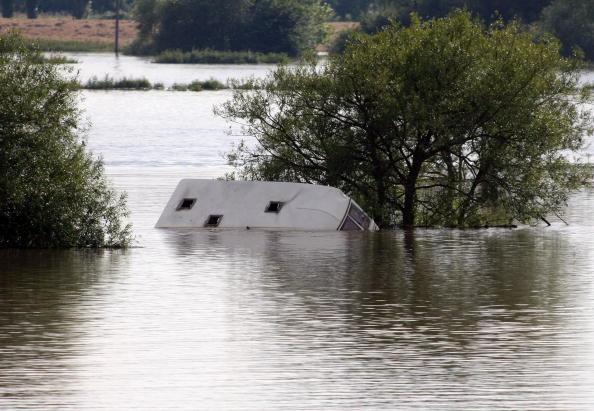 Torrential Rain「Torrential Rain Threatens Further Flooding」:写真・画像(8)[壁紙.com]