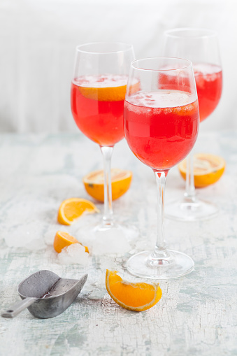 Liqueur「Aperol spritz, bitter liqueur, prosecco wine, sparkling mineral water and orange slice」:スマホ壁紙(17)
