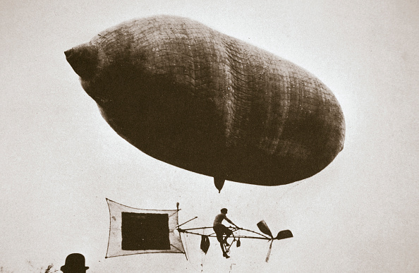 Propeller「Sky Cycle Below A Balloon Early 1900s」:写真・画像(7)[壁紙.com]