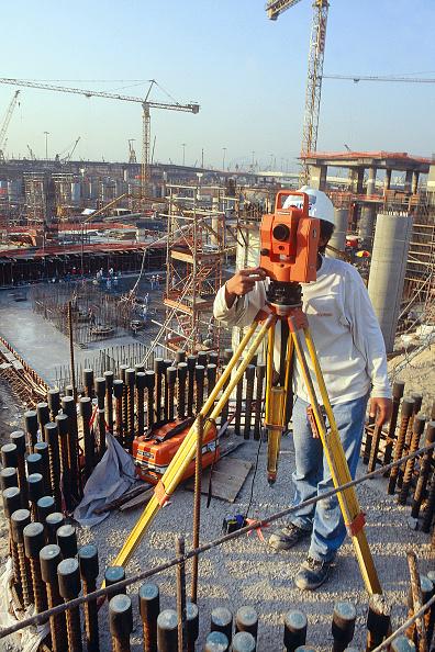 Rod「Operating total station on large civil engineering site, Hong Kong.」:写真・画像(11)[壁紙.com]