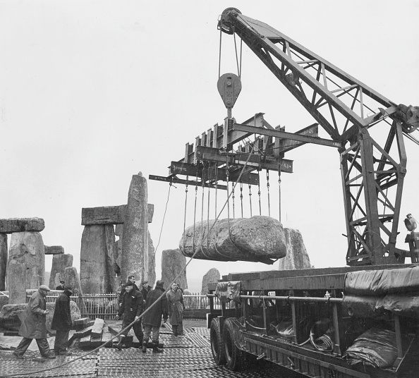 Crane - Construction Machinery「Stonehenge Repairs」:写真・画像(16)[壁紙.com]