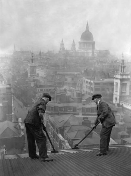 Adults Only「Roof Cleaning」:写真・画像(15)[壁紙.com]