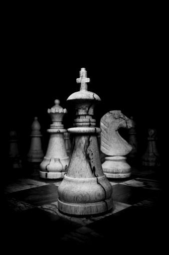 チェス「ブラックとホワイトの画像の木製チェス個」:スマホ壁紙(11)