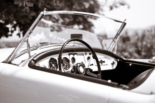 Sports Car「Black and white toned photo of a vintage sport car」:スマホ壁紙(4)