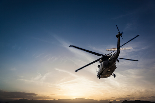 Helicopter「Photos Military Helicopter flying against sunset」:スマホ壁紙(3)