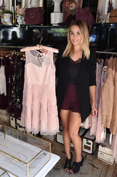 カメラ目線「LC Lauren Conrad Runway Pop-Up Shop at The Americana at Brand」:写真・画像(0)[壁紙.com]