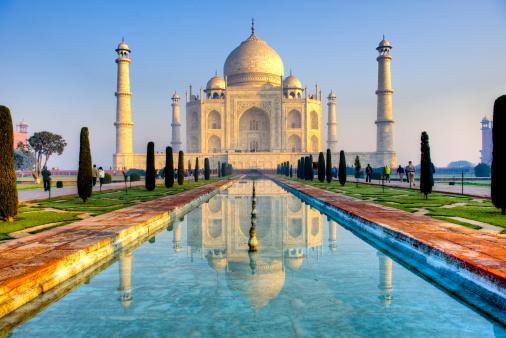 Taj Mahal「Taj Mahal and its reflection in pool, HDR」:スマホ壁紙(4)