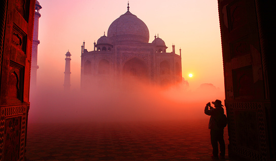 UNESCO World Heritage Site「Taj Mahal at Sunrise」:スマホ壁紙(11)