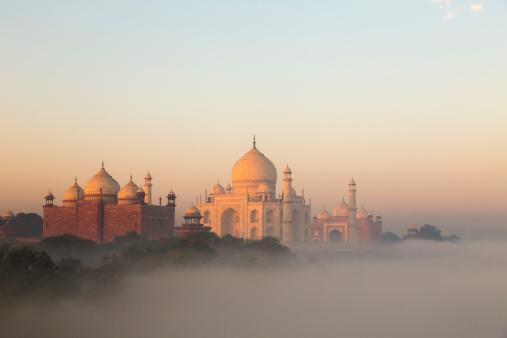 Fog「Taj Mahal and early morning fog」:スマホ壁紙(14)