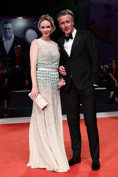 "Beige Purse「""Adults In The Room"" Red Carpet Arrivals - The 76th Venice Film Festival」:写真・画像(15)[壁紙.com]"
