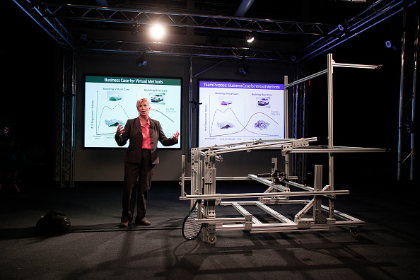 Ergonomics「Ford Demonstrates Its Virtual Manufacturing Technology At Dearborn Plant」:写真・画像(8)[壁紙.com]