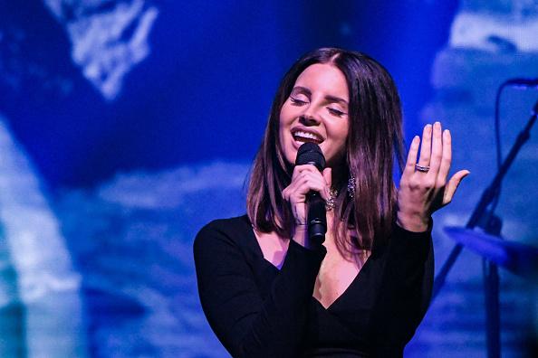 Performance「Lana Del Rey In Concert - New York, New York」:写真・画像(6)[壁紙.com]
