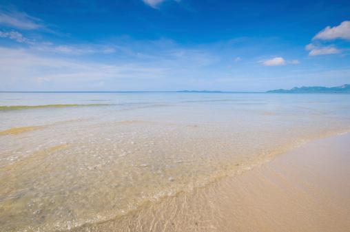 cloud「美しいビーチと熱帯の海」:スマホ壁紙(17)