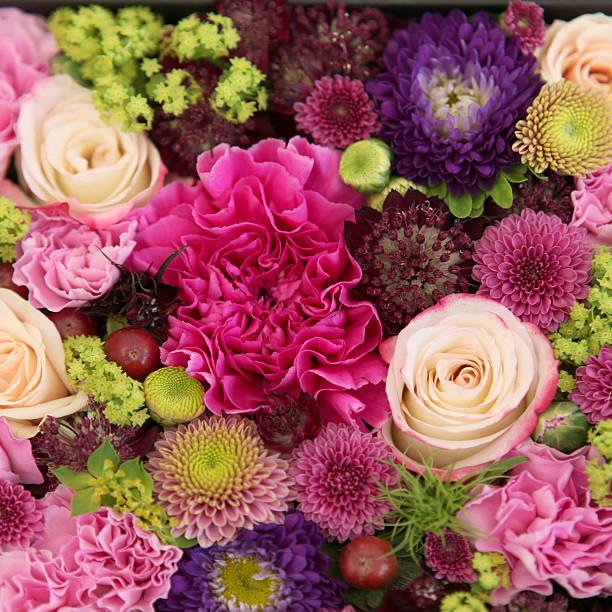 美しい束のカラフルな花々のクローズアップ:スマホ壁紙(壁紙.com)