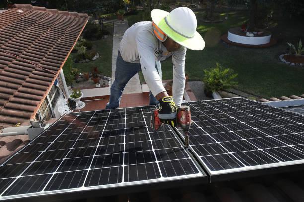 Rooftop「Trump Administration Imposes Tariffs On Imported Solar Panels」:写真・画像(6)[壁紙.com]